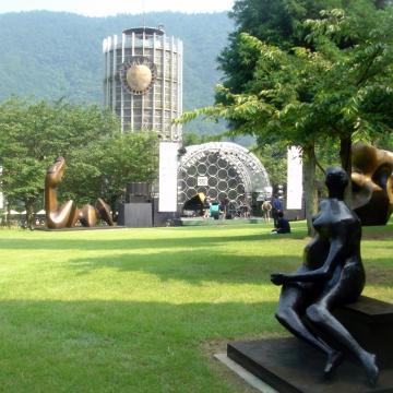 神戸のサプライズプロポーズ 箱根彫刻の森美術館