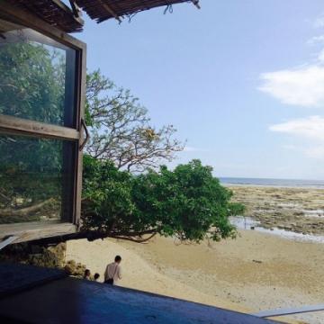 神戸のサプライズプロポーズ 浜辺の茶屋