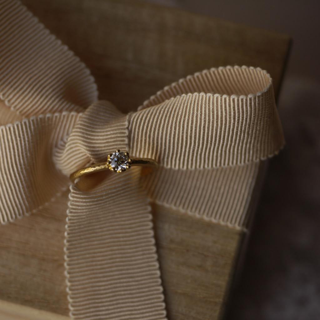 YUKAHOJOの婚約指輪カプリ