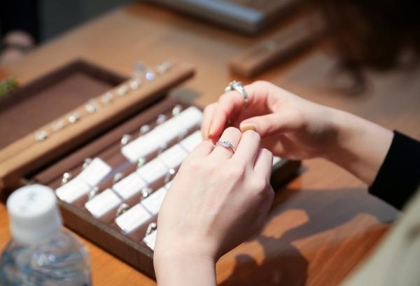 神戸三ノ宮結婚指輪婚約指輪