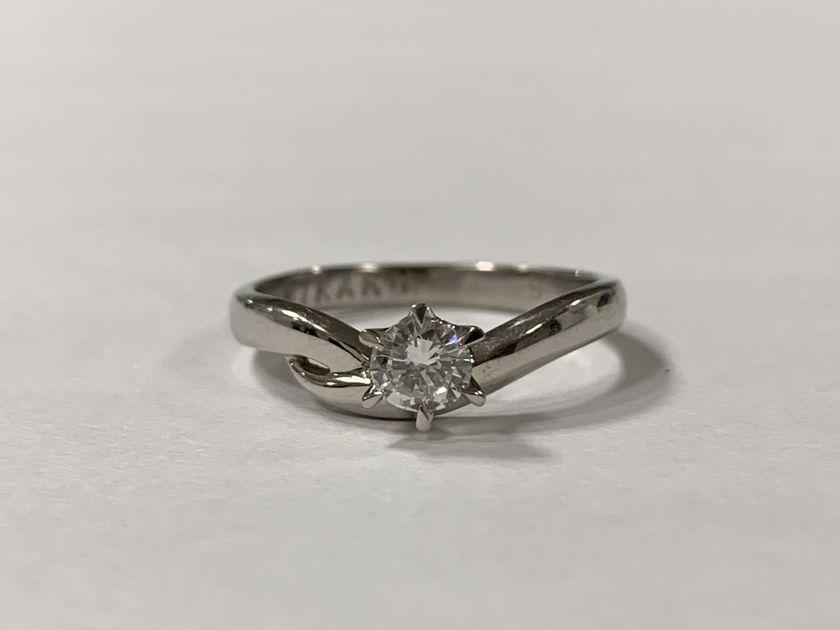 婚約指輪のダイヤモンドをピアスにジュエリーリフォーム