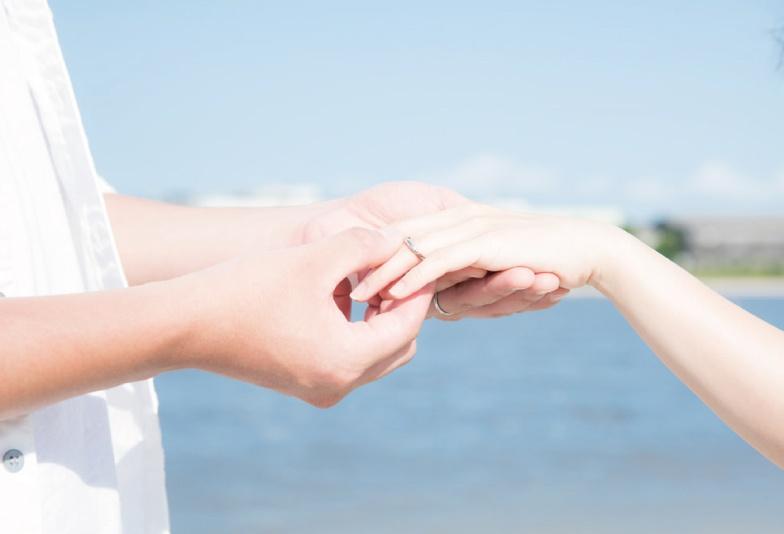 【神戸サプライズ】 プロポーズをするなら婚約指輪の準備は必須。「渡した時」と「渡さない時」の違いとは?