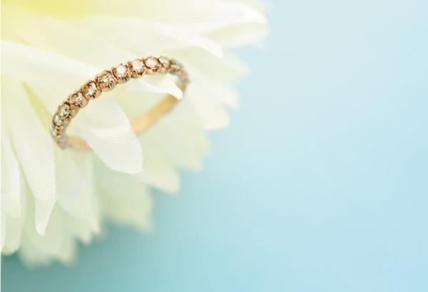 【神戸・三ノ宮】婚約指輪は普段使いできるエタニティリングが人気上昇中!?