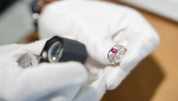 ジュエリーリフォーム婚約指輪