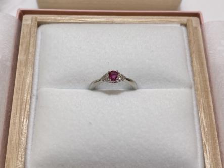 神戸市兵庫区 メビウスのロマンスの婚約指輪をご成約頂きました。
