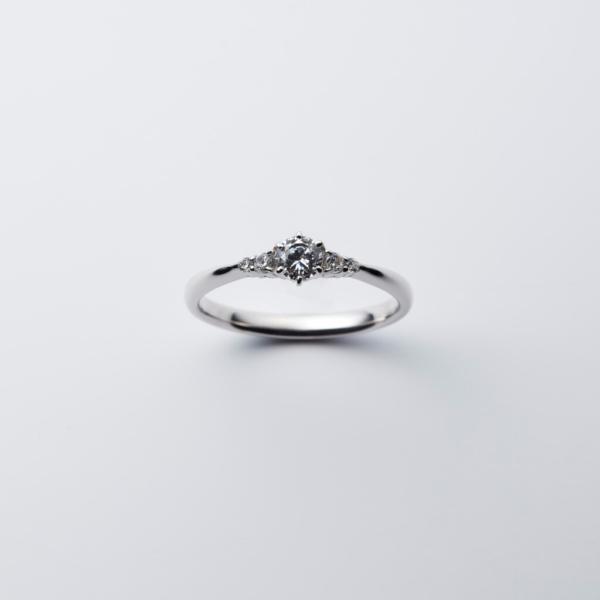 IDEAL婚約指輪ESPOIRエスポワール